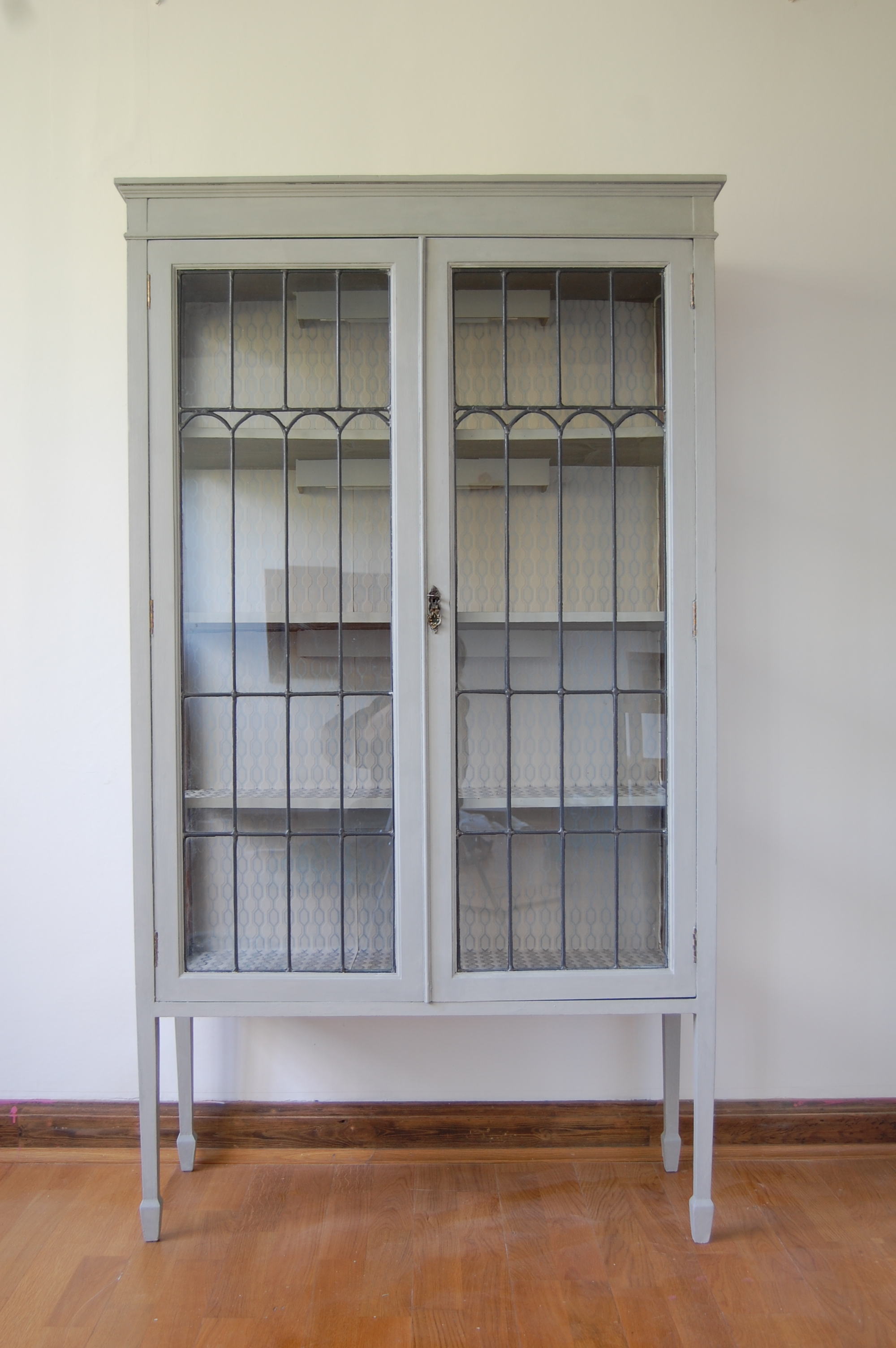 Pleasing Large Display Cabinet With Glass Doors Display Cabinet Interior Design Ideas Apansoteloinfo