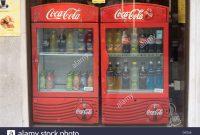 Coca Cola Mini Khlschrank Con Bar Fridge Stockfotos Bar Fridge intended for size 1300 X 956
