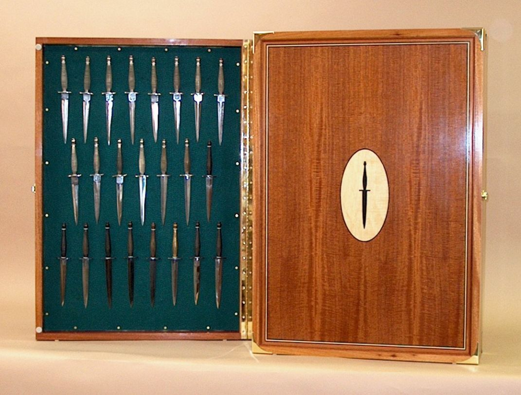Commando Knife Display Cabinets Lovely Collector Knife Display throughout sizing 1071 X 812