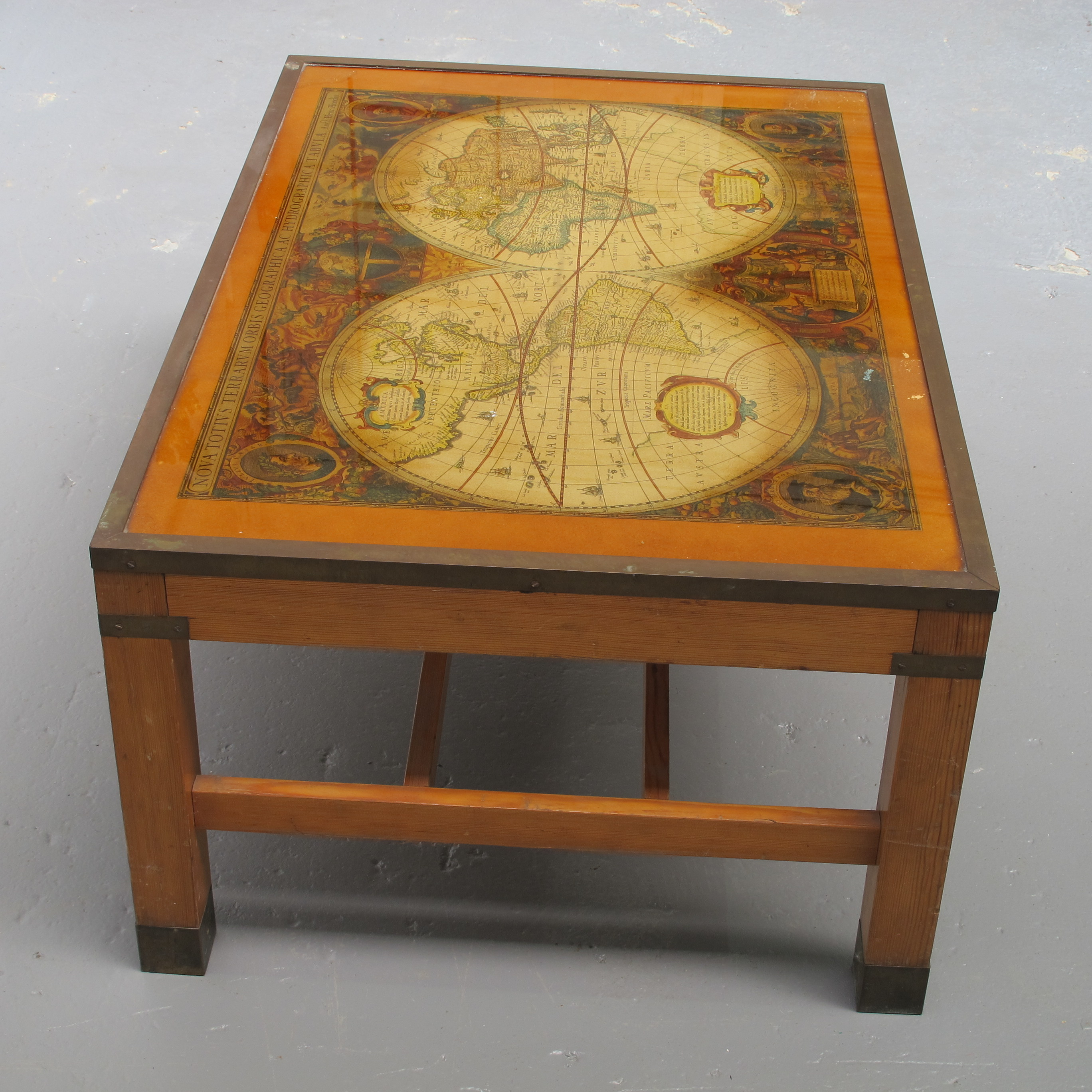 Antique World Map Coffee Table Les Trois Garons in proportions 2736 X 2736