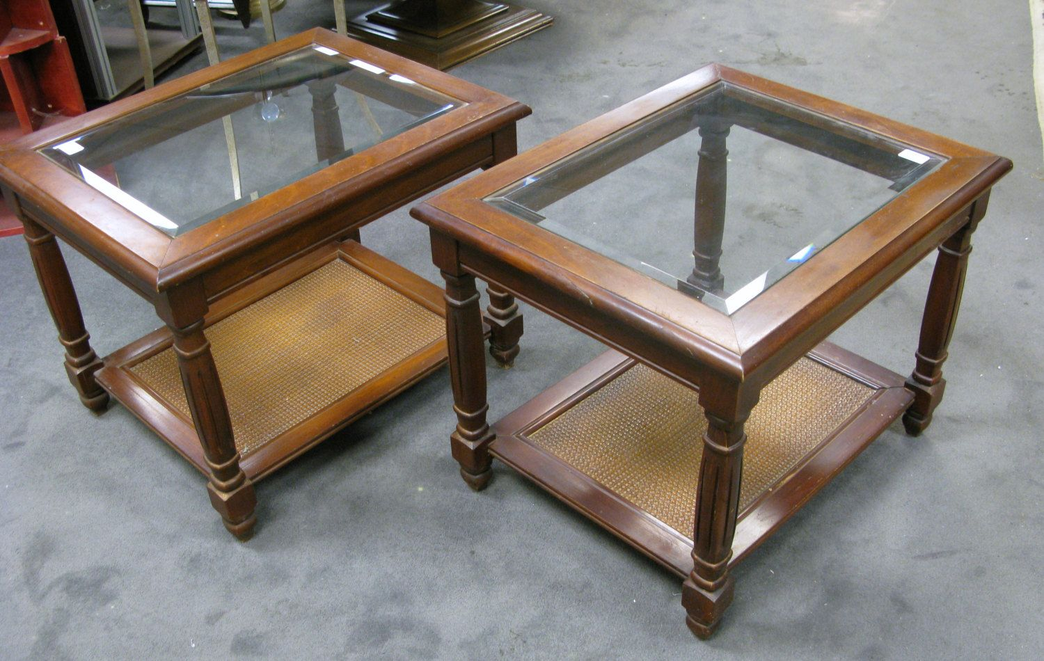 Cherry Wood End Tables With Glass Top Doces Abobrinhas Wood End pertaining to measurements 1500 X 950