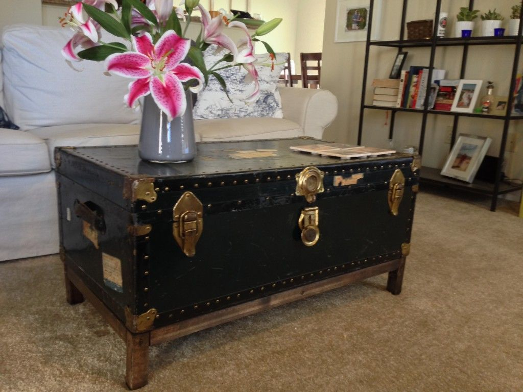 Diy Coffee Table From Antique Steamer Trunk I Like The Clean for measurements 1024 X 768