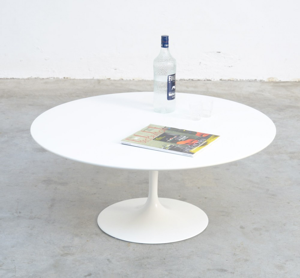 Round White Tulip Coffee Table Eero Saarinen For Knoll Int for size 1000 X 926